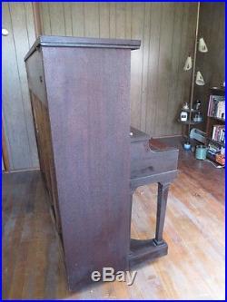 Antique Estey Upright Piano (c. 1909) Mahogany Wood