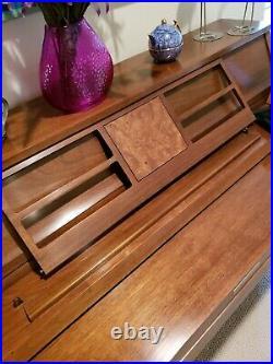 Baldwin Consolette Piano In Excellent Condition