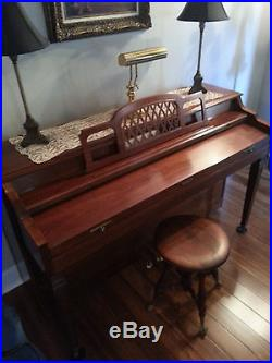 Baldwin upright Piano excellent condition, original owner