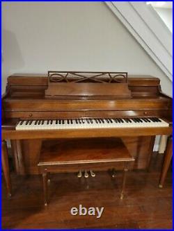 Beautiful Baldwin Acrosonic Upright Spinet Piano With Bench