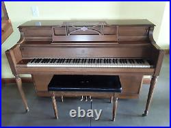 Console Story & Clark Piano