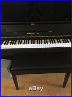 Hallet, Davis & Co. Console Upright Piano 43 Polished Ebony