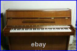 Kawai Piano Console beautiful condition with matching bench. Family heirloom