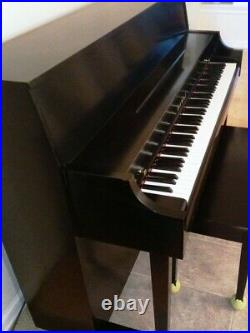 Kawai Upright Piano Model 506N sell by first owner, great condition