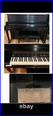 Kawai piano 506N /black color /very good condition