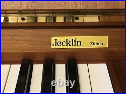 Klavier Kawai, Model CE-7 Occ, Nussbaum, TOP Zustand