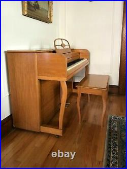 Maple Wood Lester Spinet Upright Piano with Bench