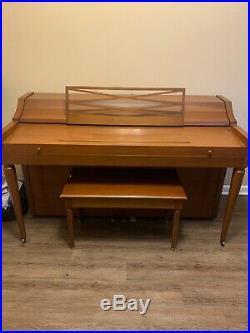 Nice Brown Hardwood Upright Piano