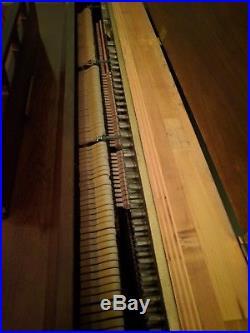 Piano Console Kincaid