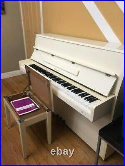 Samick Piano Upright pearl white 57 used but in excellent condition