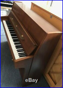 Schimmel Klavier piano Modell 114