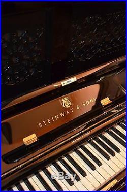 Steinway & Sons Upright Piano Klavier Pianino Piano Pianoforte Generalüberholt