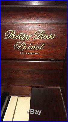 Upright Lester Betsy Ross Spinet