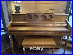 Wurlitzer Cabinet Piano Model P250