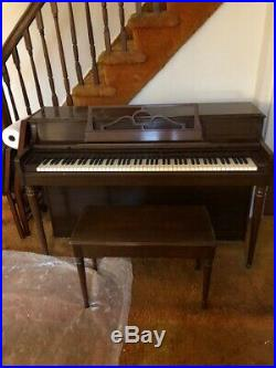 Wurlitzer Stand Up piano