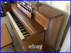 Wurlitzer Upright Piano Needs a good home Perfect 1st Piano