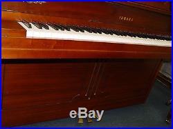 Yamaha Walnut Upright Piano (m 404)