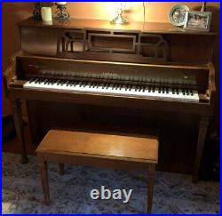 Yamaha M500H Piano with original bench Console, Upright
