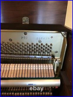 Yamaha P 22 Uprite Piano