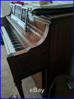 Yamaha Upright Piano M2GX
