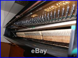 Yamaha Upright piano excellent sound and apprarance
