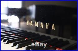 Yamaha grand piano C7 in ebony polish perfect condition