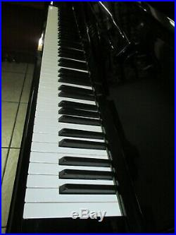 Yamaha piano upright made in japon