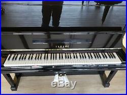 Yamaha u3o A upright piano 1991